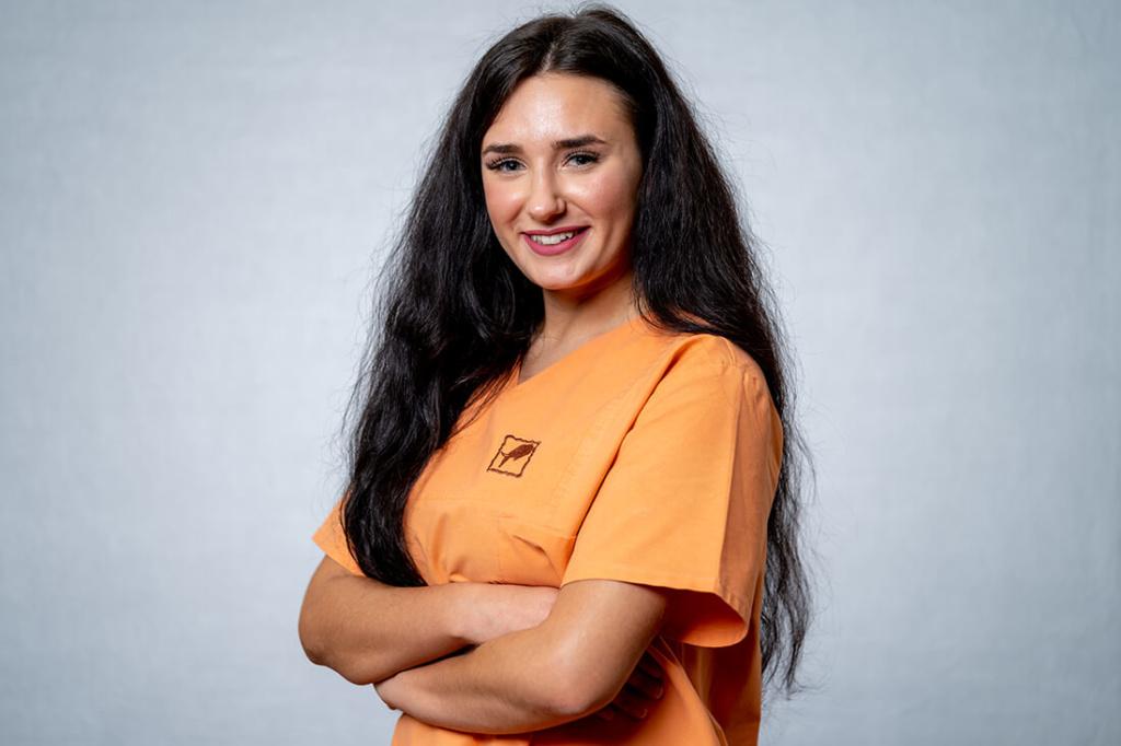 Zahnärztinnen Duisburg-Nord - Kuchenbecker-Bohnen, Mai Dinh - Team - Andojetta Saiti