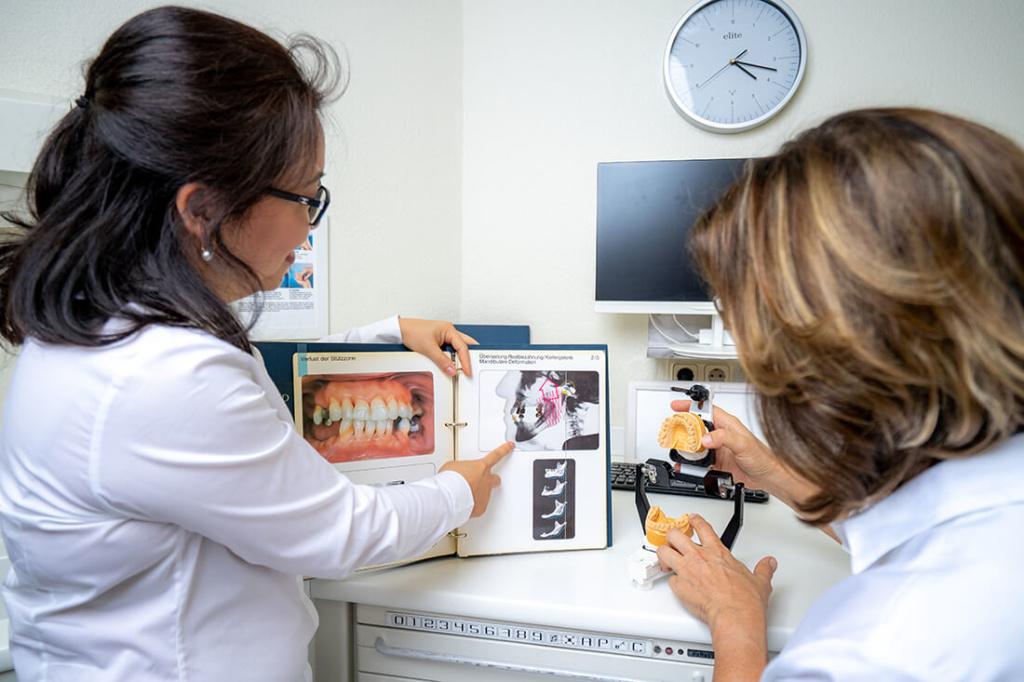 Zahnärztinnen Duisburg-Nord - Kuchenbecker-Bohnen, Mai Dinh - Leistungen - Kiefergelenktherapie bei CMD