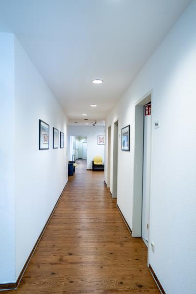 Zahnärztinnen Duisburg-Nord - Kuchenbecker-Bohnen, Mai Dinh - Flurbereich der Praxis