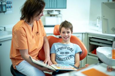 Zahnärztinnen Duisburg-Nord - Kuchenbecker-Bohnen, Mai Dinh - Kinder fühlen sich in unserer Praxis wohl